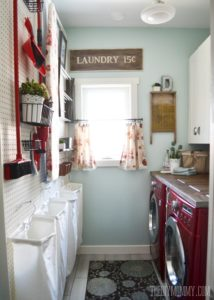 DIY Moomy Laundry Room Makover
