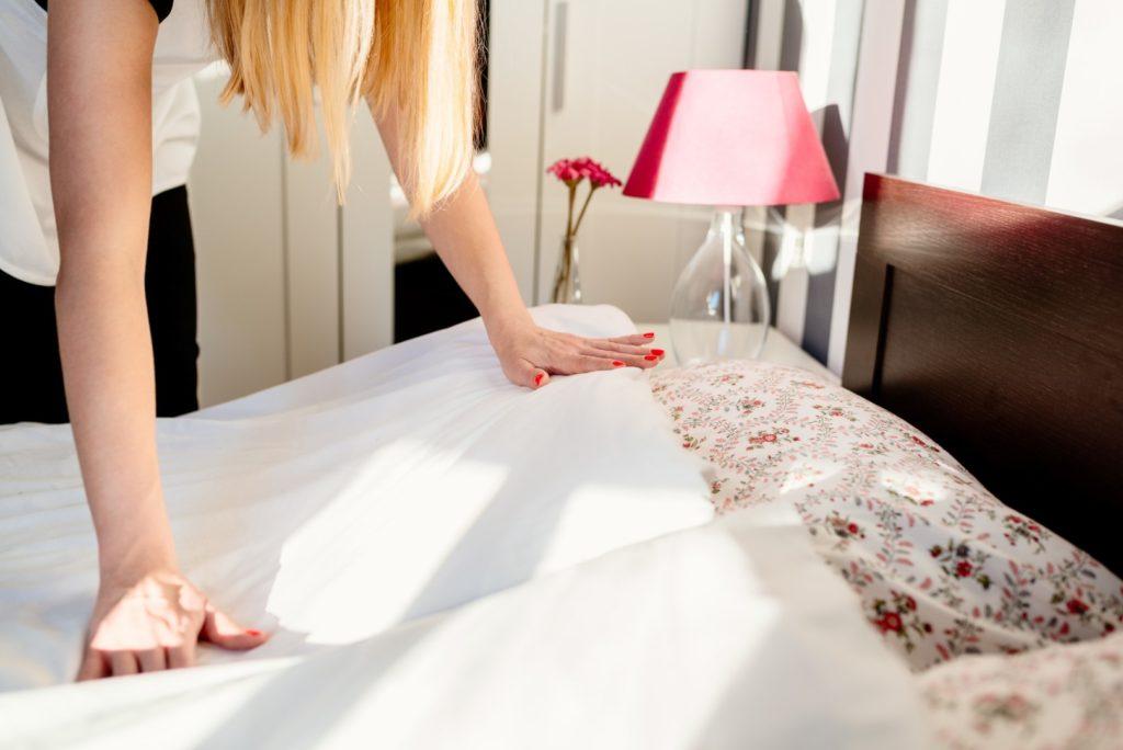 comment faire le m nage de sa chambre coucher. Black Bedroom Furniture Sets. Home Design Ideas