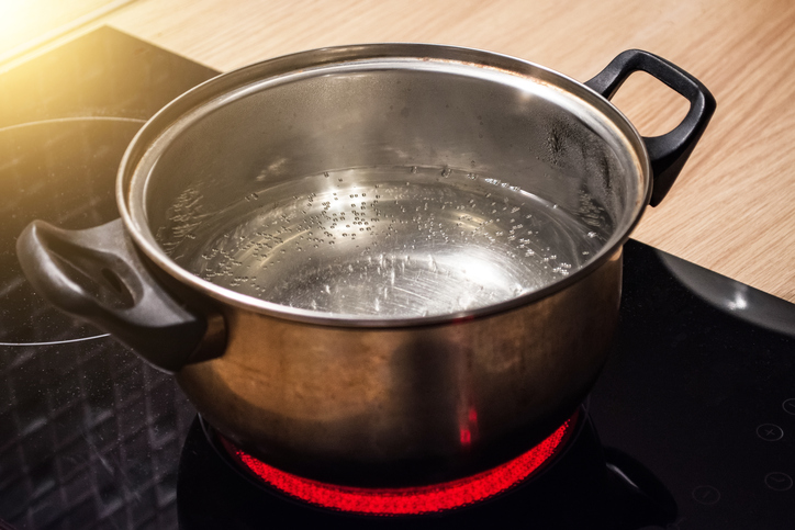 Boiling water with a GE induction cooktop