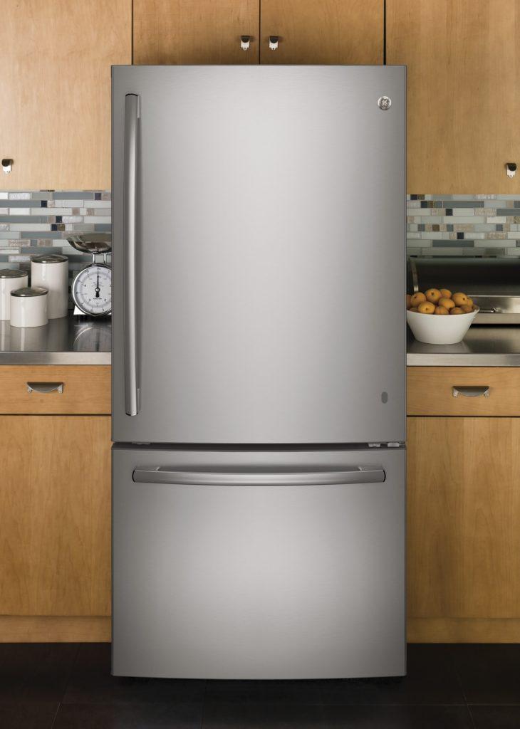 GE Réfrigérateur à congélateur inférieur