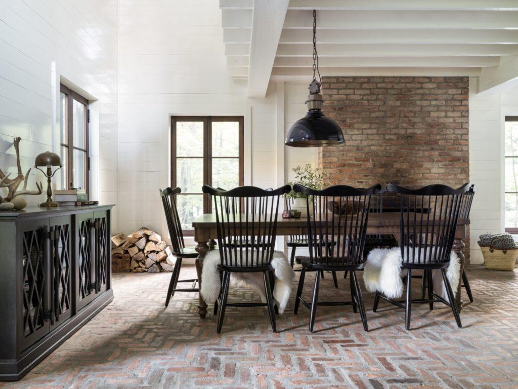 Table de salle à manger allongée