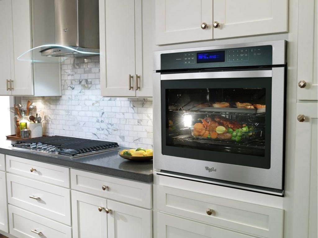 Cuisson Induction Avantages Inconvénients choisir entre un four mural et une cuisinière conventionnelle