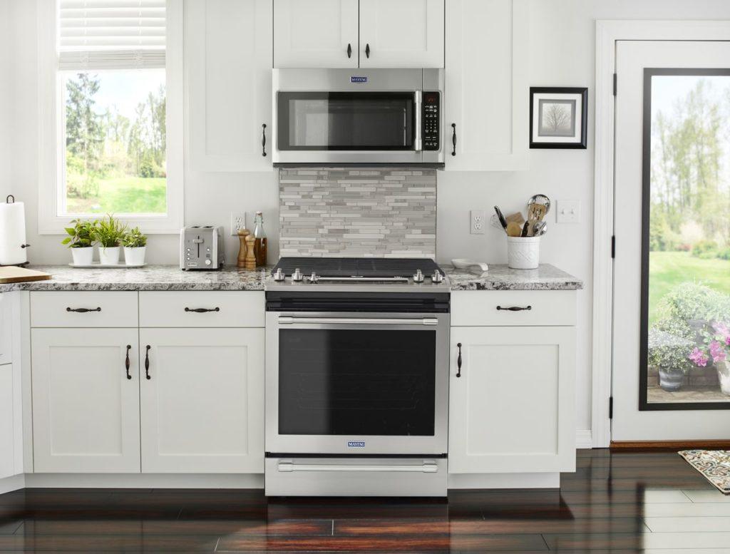 Maytag cooking range and microwave hood