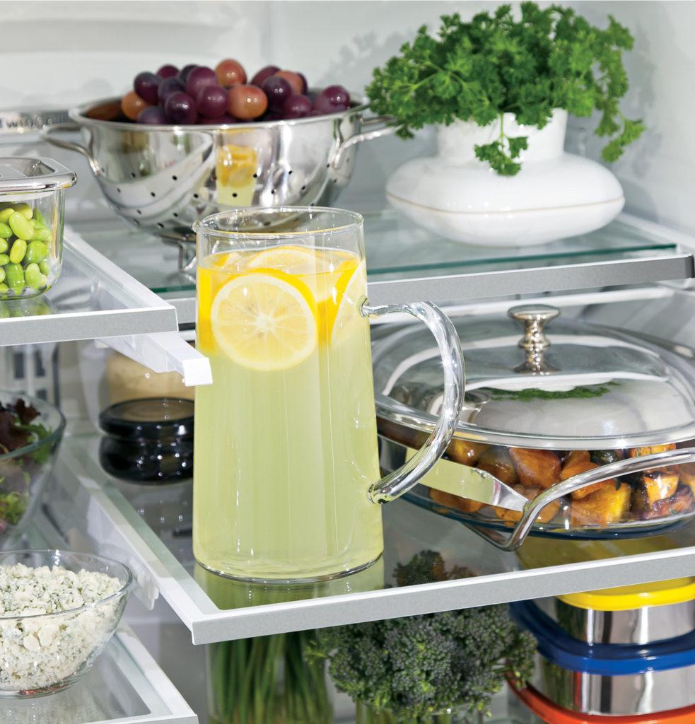 GE Refrigerator and convenient storage