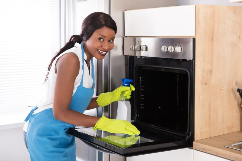 How to clean oven and cooktops