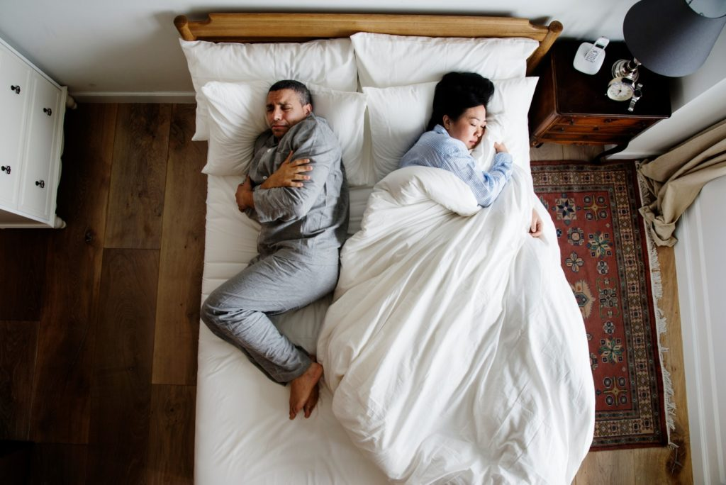 Couples having problems sleeping together (2)