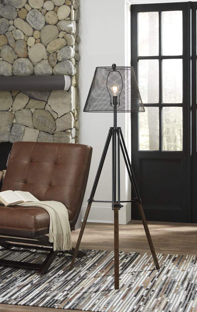 Signature Design Industrial Lamp L207991