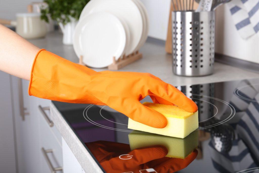 Comment nettoyer votre surface de cuisson en verre Samsung (2)
