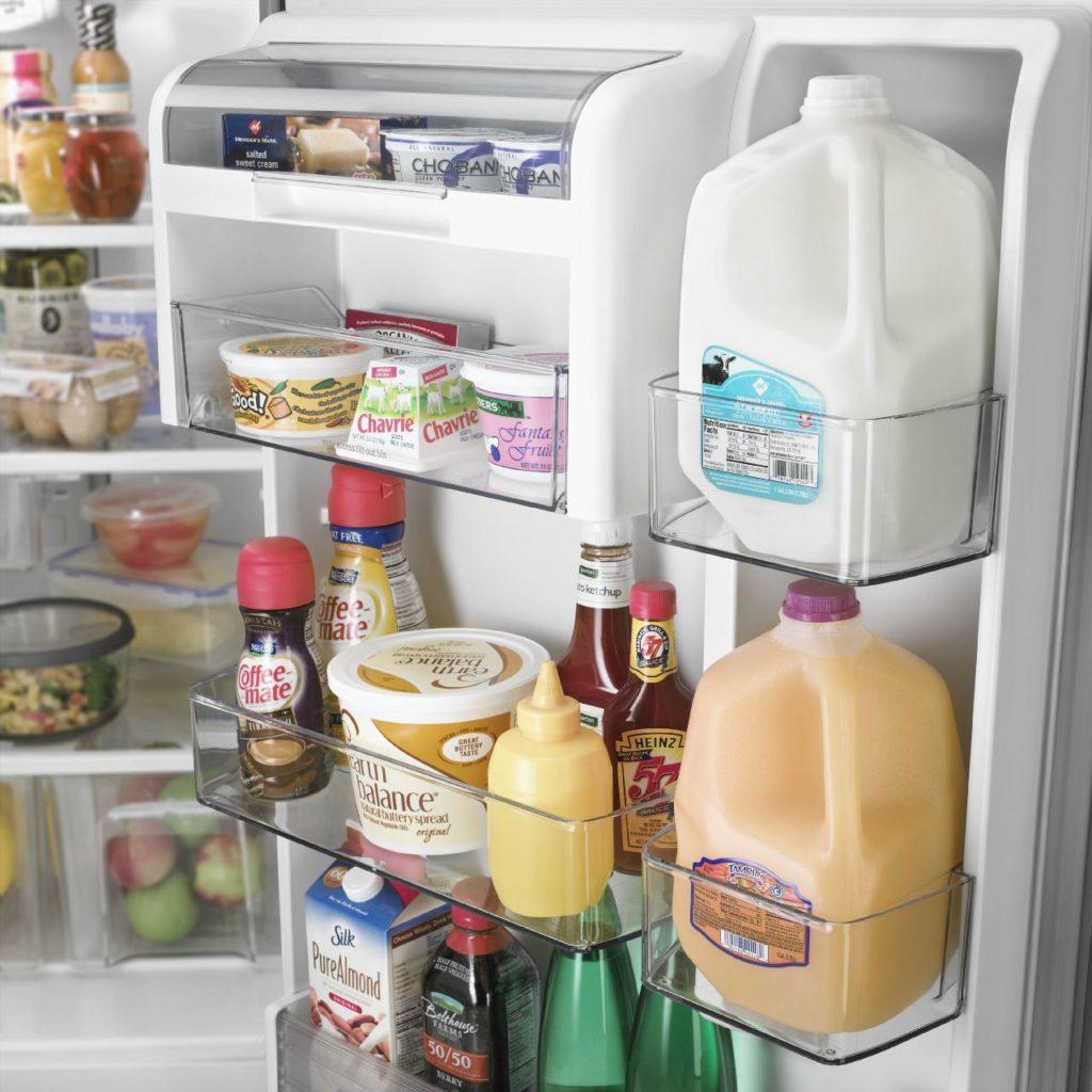 Refrigérateur Maytag avec paniers ajustables dans la porte