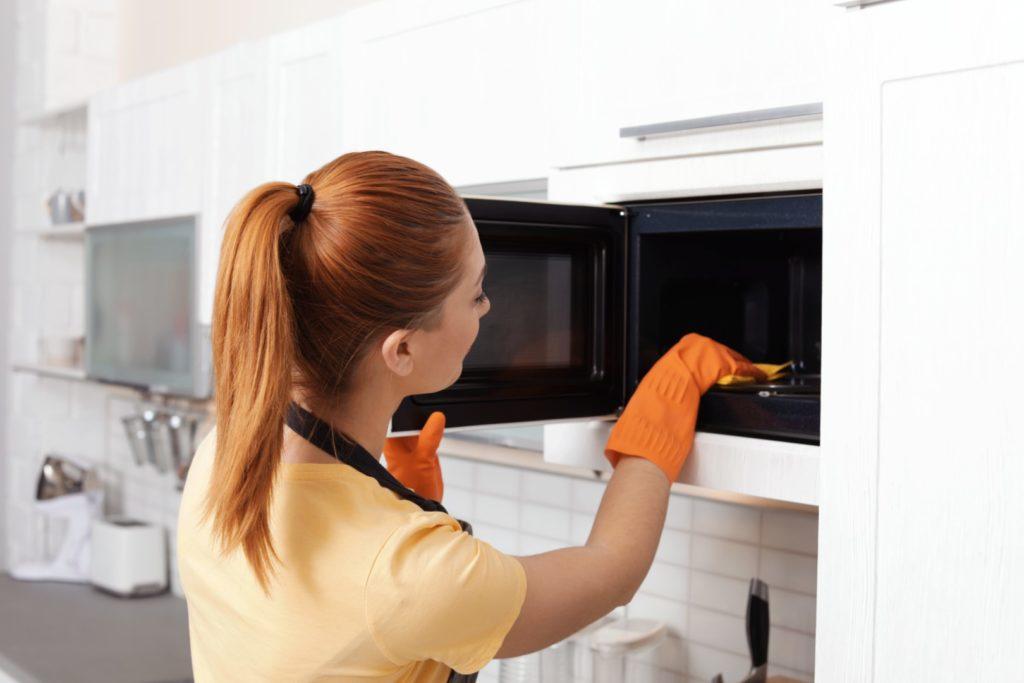 3 trucs simples pour nettoyer votre four à micro-ondes KitchenAid