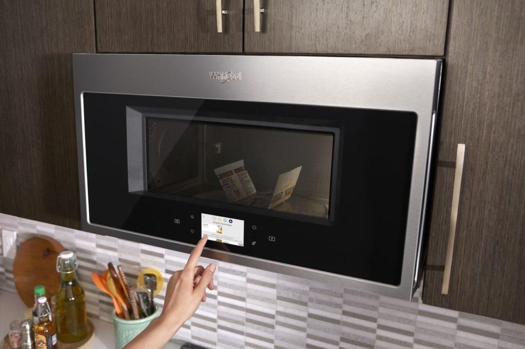 Micro-ondes à hotte intégrée Whirpool