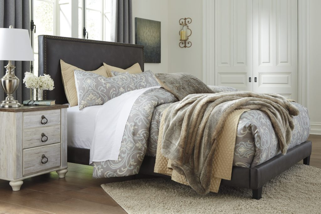 Decorating Tips for a Cozy Guest Bedroom
