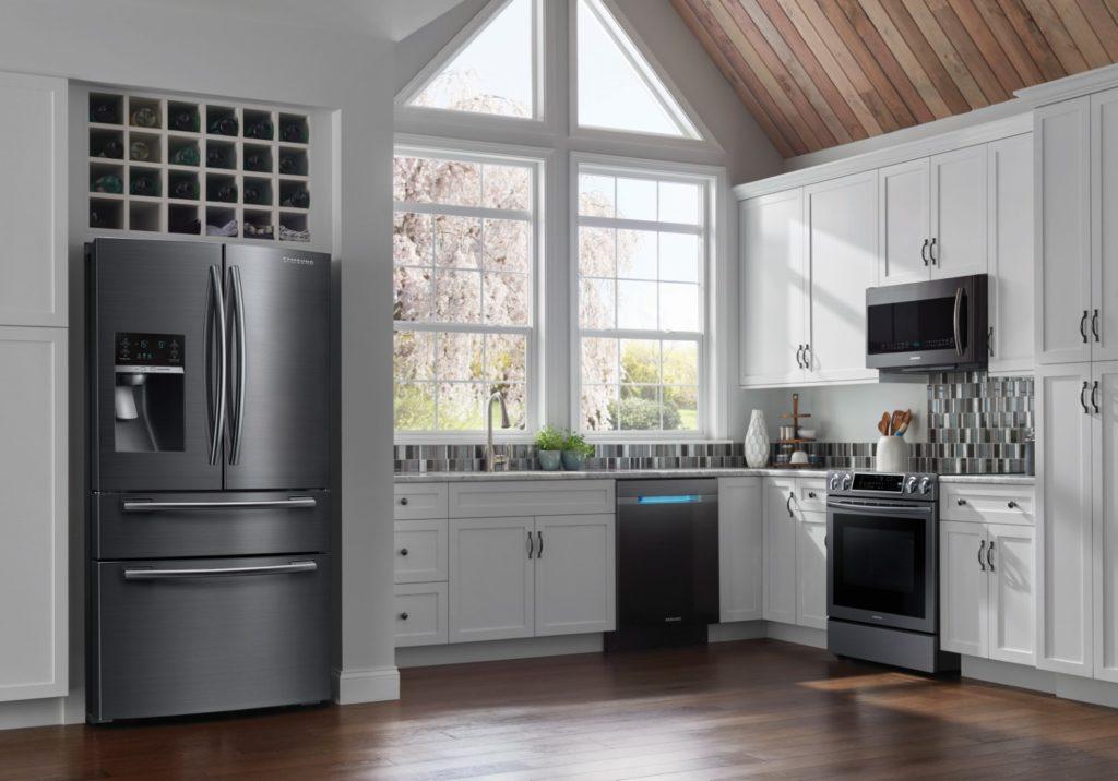 Électroménagers de cuisine Samsung en acier inox noir
